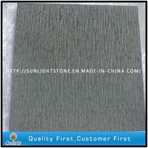Базальтовой черного цвета с тонким зубилом матовой отделки плиткой в почву