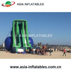 Trasparenza di acqua gigante dell'ippopotamo di Trippo, giochi gonfiabili di divertimento della spiaggia della sabbia