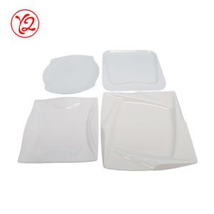 Les fournisseurs de salle à manger d'Accents artistique comme Couverts Vaisselle en porcelaine d'éclairage plaque