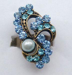 Ring (e-0004)