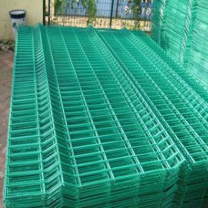熱い販売の商業電流を通された鋼鉄によって溶接される曲げられた3D金網の塀