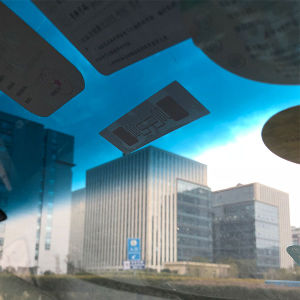 Parafusos invioláveis RFID UHF 860-960MHz carro etiqueta rótulo de Estacionamento de para-brisa