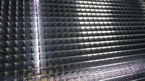 専門の工場4X4ステンレス鋼は溶接された金網に電流を通した