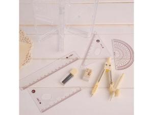 Insieme matematico dello strumento di progettazione dell'illustrazione della bussola del righello del vestito della parte del contenitore rotondo di plastica di plastica di manicotto