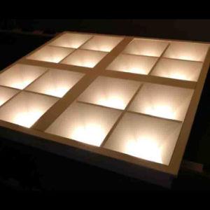 Ugr16 Parrilla de LED la luz de la fábrica China Troffer bajo brillo