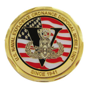 Laser gravierte weiche Cloisonne kundenspezifische Messinggoldmünze im Diamant-Rand (068)