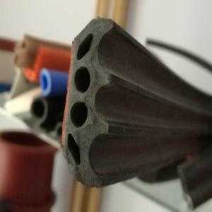 倉庫のドア適用範囲が広いEPDMのゴムはガスケットの放出のストリップを密封する
