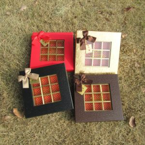 De aangepaste Doos van de Chocolade van de Doos van het Venster van de Doos van het Karton met Bowknot