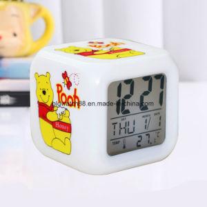 Petite Horloge numérique électronique Cube 7 Changement de couleur réveil LCD LED