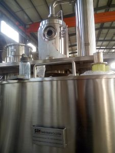 蜂蜜から湿気を取除くための真空の暖房機械