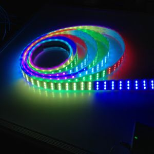 Indicatore luminoso di striscia di DC12V Ws2811/TM1812 SMD5050 3row Digitahi RGB LED