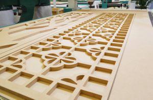 自動ツールのチェンジャーが付いている木製CNCのルーター機械