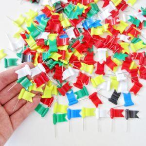 La novedad de 30mm estilo colorido Mapa de la bandera de plástico ondulado Pin