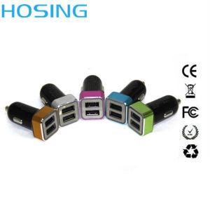Двухпортовый 12 в машине с зарядное устройство USB 2.4A/3.1A