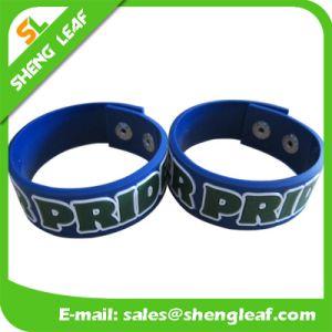 La promozione mette in mostra il braccialetto di gomma su ordinazione in serie dei regali