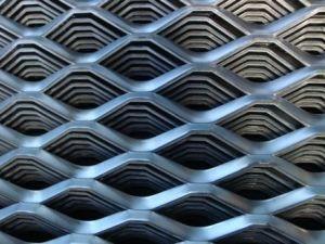 アルミニウムによって拡大される金属線の網