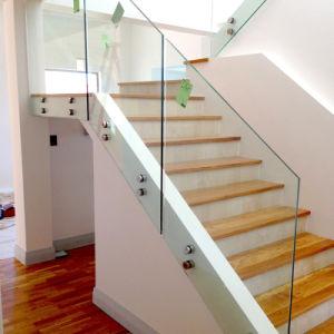 Barandilla De Vidrio De Los Separadores De Diseno Para La Escalera