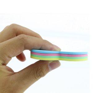 Il Rainbow sveglio su ordine mette le piume alle note appiccicose, note Self-Stick dell'appunto
