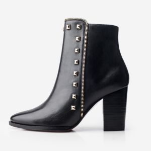 Últimos diseños de cuero Zapatos de damas en el tobillo con remache