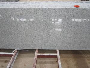 建築材料の床または階段タイルの平板のファン立方体のための炎にあてられたG603薄い灰色の花こう岩の舗装するか、またはペーバー