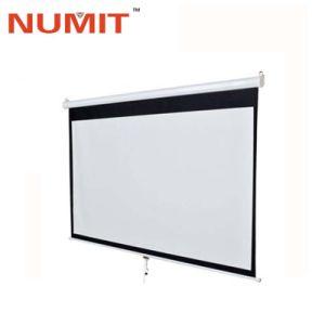 Вручную потяните вниз на экране проектора с матовый белый материал