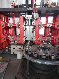 満ちる生産ラインのためのプラスチックびんの吹く機械