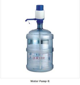 Рукой нажмите пить воду насос для очистки воды