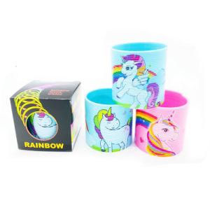 Не менее 5,5 см горячая продажа интеллектуальной Rainbow пружины пластмассовые игрушки с Unicorn печать