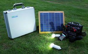 Het zonne PV Draagbare Systeem van het Huis met de Uitrustingen van het Zonnepaneel