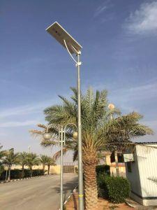 80W LED de alta del sensor PIR de lúmenes de luz solar calle LiFePO4 de la batería