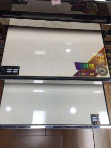 フォーシャンの等級AAAの水晶白い磨かれた磁器のタイル