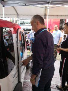 Jinan Huajiang tração nas quatro rodas do veículo eléctrico