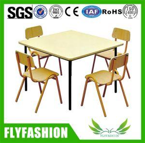 Дети мебелью зеленого дерева детей за круглым столом детей мебель