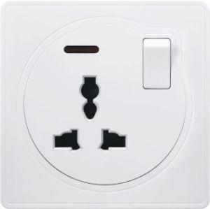 La norme britannique 13A Prise commutée multifonction avec néon (A3)