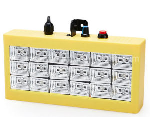 小型音制御18 RGB LEDディスコ党ライトショーLEDのストロボランプの家庭娯楽プロジェクター照明