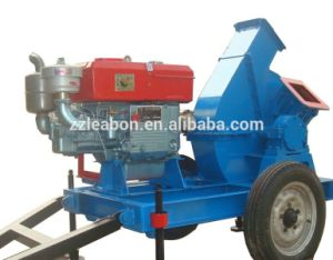 トラクターの使用のディーゼル機関の移動式木製の砕木機