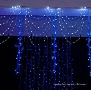 LEDのカーテンの装飾はクリスマスの結婚式ライトをつける