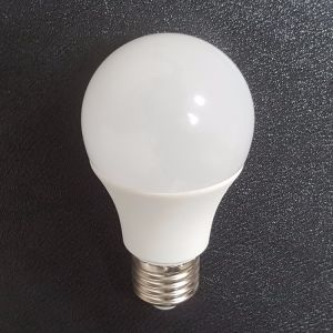 De Aluminio de plástico de la luz de lámpara LED SMD A60 10W con CE