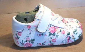 El Deporte Infantil Floral bebé zapatos con suela blanda. Los niños antideslizamiento zapatos de cuero flor