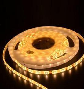 Fita LED flexível controlável com IC programáveis
