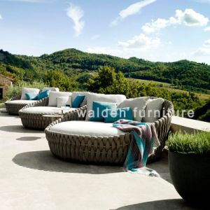 フォーシャンWaldenの新しい屋外の庭の家具ロープのテラスの家具のホテルのソファーは藤の枝編み細工品の家具をセットする
