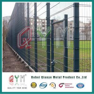 Hot-DIP galvanisierter geschweißter Maschendraht-Zaun mit quadratischem Pfosten