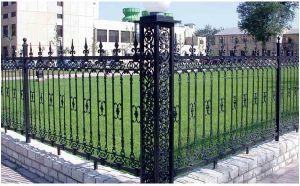 高力および非腐食性の鉄の塀