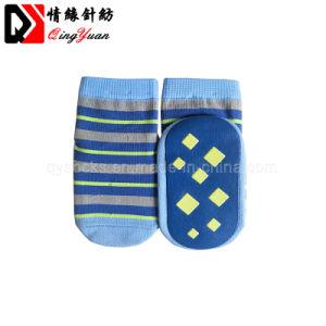 Formato appena nato casuale su ordinazione dei ragazzi delle neonate 3-6 mesi di calzini a strisce del cotone del pavimento antisdrucciolevole di Short