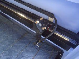 工場価格レーザーCNCのルーター機械二酸化炭素レーザーの切断の彫刻家