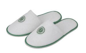 Logo d'impression Basculement vert vert fermé Toe Terry avec patins de l'hôtel de 6 mm Semelle EVA