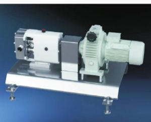 Acero inoxidable sanitario de retención de calor de la bomba rotativa de lóbulos horizontal