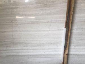 白い木の大理石の平板のタイル