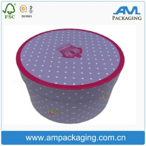 Оформление упаковки подарочной упаковки Red Hat в салоне договорная
