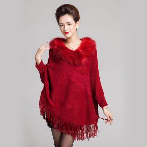 Fashion Fur Collar Acrylicによって女性編まれるフリンジの冬のポンチョ(YKY4477)